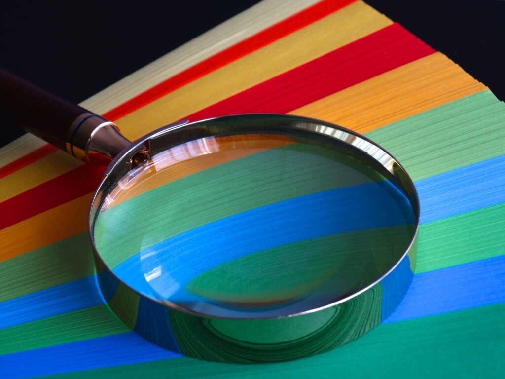 magnifying glass with brown handle